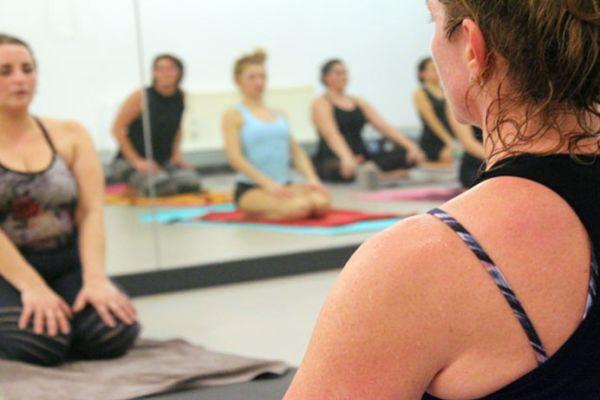Bild 1 von AVA Hot Yoga